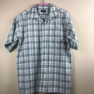 Patagonia Short Sleeve Men's Shirt SZ Medium